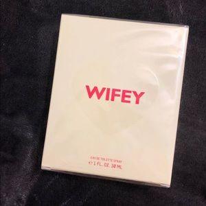 KKW Fragrance Kimoji Hearts Wifey
